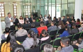 Estudiantes de la UPFIM reciben beca para asegurar su permanencia escolar1