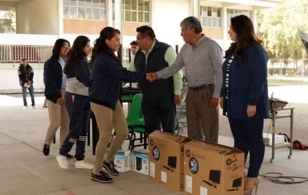 Gabriel García Rojas equipa al CONALEP Plantel Tizayuca4