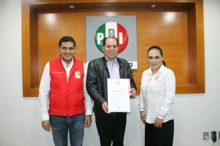 Guilebaldo Recinas, nuevo secretario adjunto de la Secretaría General del CDE del PRI.jpg