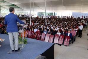 Incrementa 300% becas para alumnos de nivel medio en UAEH