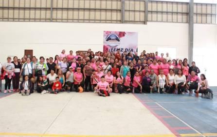 Mamás de Mineral de la Reforma festejan con mega clase de zumba4