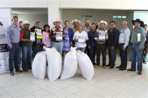 Realiza Mineral de la Reforma 2da. entrega de incentivo de semilla de avena y cebada a pequeños productores3
