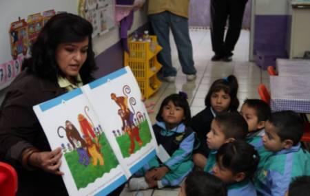 Se fortalece a escuelas de Educación Básica con material bibliográfico1