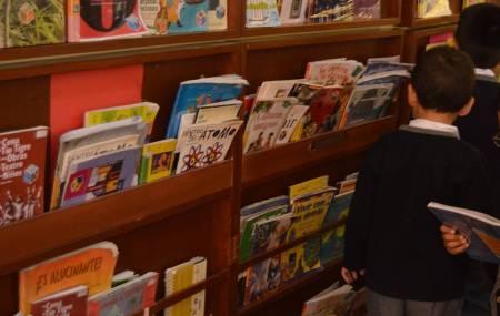 Se fortalece a escuelas de Educación Básica con material bibliográfico2