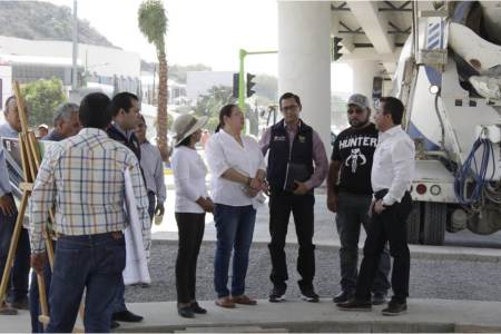 Supervisan obra vial del Bulevar Colosio entroque Chacón2