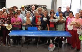 Adultos mayores de Tolcayuca, pondrán a la venta productos artesanales2