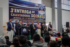 Encabeza Raúl Camacho Baños la tercera entrega de calentadores solares a bajo costo en Mineral de la Reforma1