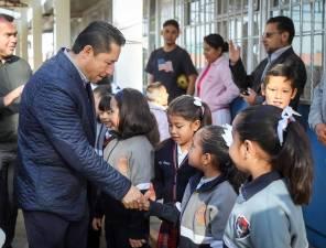 Entrega Raúl Camacho aula, cocina y rehabilitación del comedor en escuela de El Saucillo 1