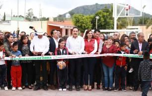 Inaugura Omar Fayad espacios de convivencia familiar2