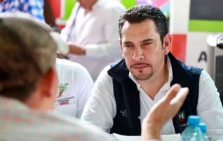 Israel Félix entrega apoyos y gestiona beneficios en San Bartolo Tutotepec4