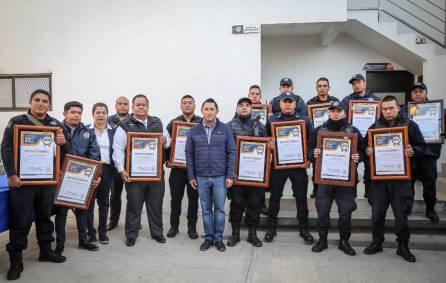 Raúl Camacho reconoce labor de policías municipales4