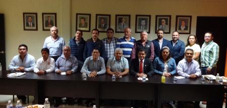 Sostienen Colegios de Profesionistas reunión de trabajo con el diputado Julio Valera Piedra