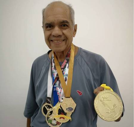 Suma Hugo Puentes dos campeonatos internacionales en artes marciales