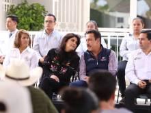 Atención ciudadana y apoyo a grupos vulnerables en Acatlán2