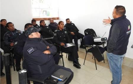 Capacitan a elementos de Seguridad Pública de Tolcayuca en materia de prevención del delito .jpg