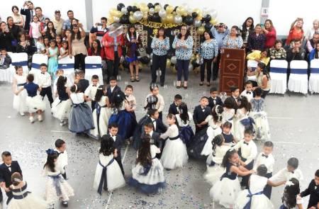 Celebran ceremonia de graduación alumnos del CAIC Tolcayuca 2.jpg