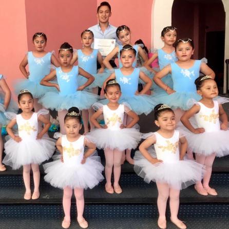 Destacada participación del Ballet Clásico de Casa de Cultura de Tolcayuca en el Teatro San Francisco2