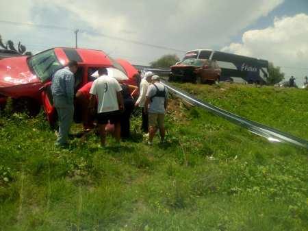 Dos personas graves al registrarse accidente a la altura de Tolcayuca2