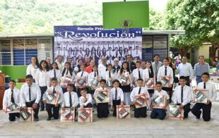 Encabeza titular de SEPH ceremonia de clausura en la Escuela Primaria Revolución en el municipio de Pisaflores5