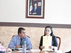 Entrega Susana Ángeles Iniciativas de Ley a alcalde y Asamblea de Tolcayuca