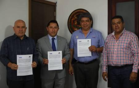 Firma Mineral de la Reforma convenio con Superpapelerías Tony 1