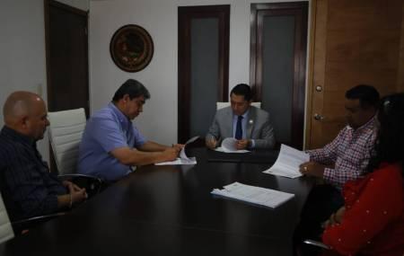 Firma Mineral de la Reforma convenio con Superpapelerías Tony 2