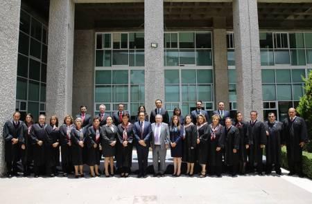 Hidalgo, referente internacional en materia regulatoria y política económica2