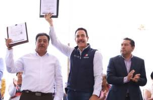 Reciben certeza jurídica patrimonial 145 familias de Tezontepec4
