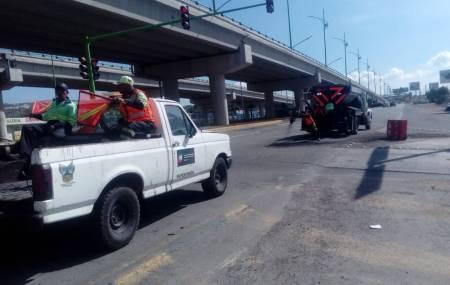 SOPOT realiza trabajos de bacheo en bulevares Felipe Ángeles y Las Torres 2.jpg