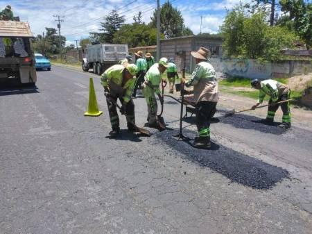 SOPOT realiza trabajos de bacheo en la carretera estatal Saucillo-Nopala2