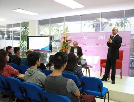 Abarca FUL temas sobre nuevas tecnologías en bibliotecas1