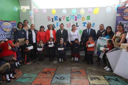 Arranca alcalde Raúl Camacho Baños, entrega de zapatos escolares en prescolares de Mineral de la Reforma por 3er. año consecutivo4