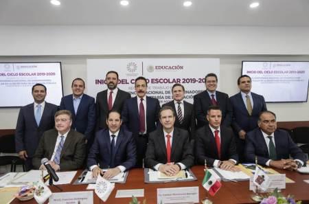Asiste Omar Fayad a reunión de gobernadores con el secretario de Educación Pública.jpg