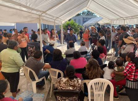 Brinda Omar Fayad apoyo integral a víctimas de accidente en Zimapán4