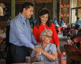 Con visita a parque acuático festejan DIF municipal a adultos mayores de Mineral de la Reforma1