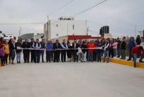 Entrega alcalde Raul Camacho Baños, pavimentación de concreto y dren pluvial en Carboneras 1