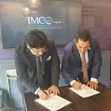 Firma alcalde Raúl Camacho Baños, convenio de colaboración con IMCO2