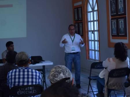 Invitan a productores lecheros a capacitación en Santiago Tulantepec