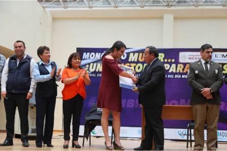 Monólogo reúne a más de 300 asistentes en Pachuquilla; el objetivo, la prevención de delitos y generar conciencia en la población en el marco del Día Mundial contra la Trata3