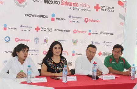 Presentan carrera de la Cruz Roja2.jpg