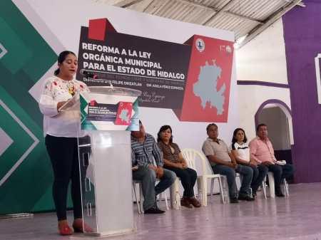 Preside diputada Pérez Espinoza foro para reformar ley orgánica, en Yahualica.jpg