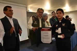 Recibe titular de SEPH a estudiantes de Hidalgo que acudieron a la convivencia cultural nacional1