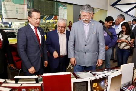 Recibe UAEH donación de libros de la Cámara de Diputados Federal2