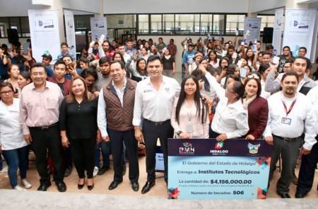 Se activan Becas Miguel Hidalgo en la región de Huichapan .jpg