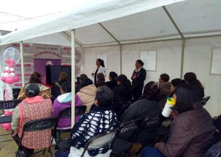Semana de sensibilización de cáncer uterino en Santiago Tulantepec.jpg