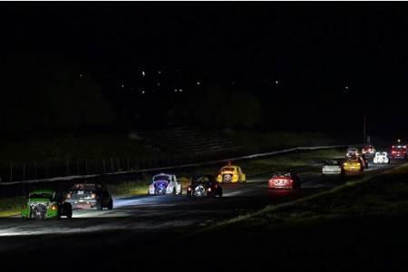 Un éxito resultó la última carrera nocturna de la temporada con pilotos de diferentes estados, debuts y regreso de otros2