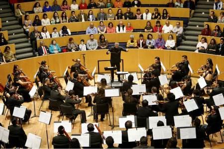 Una velada de ópera con la OSUAEH y Carlos Galván2.jpg