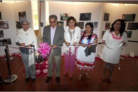 Celebra SEPH el Día Internacional de la Mujer Indígena