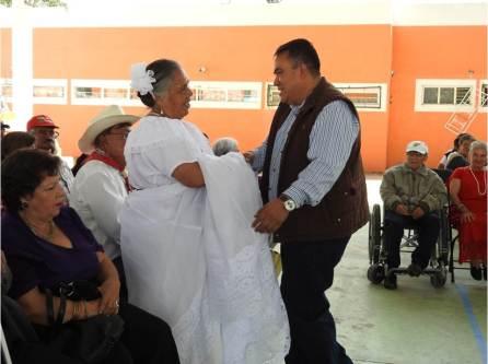 Celebran emotivo festejo para los adultos mayores en Tolcayuca4
