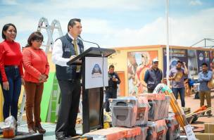 Encabeza Raúl Camacho 7ma Entrega de paquetes de herramientas a bajo costo1